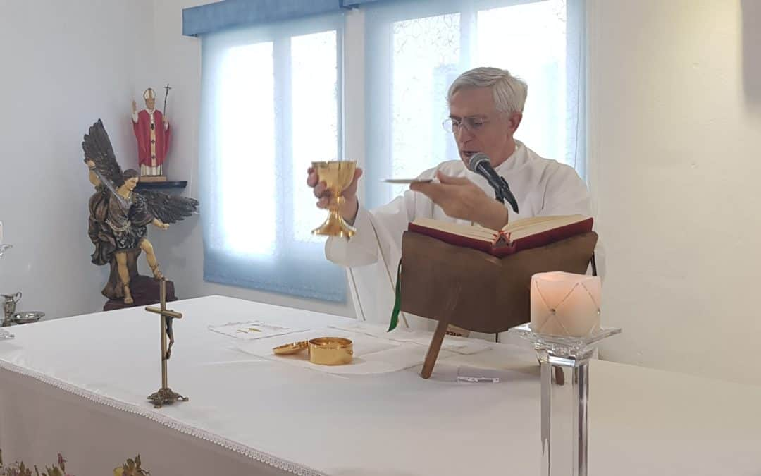 Eucaristías con el Padre Renzo, las hermanas de Stella Maris y Catalina